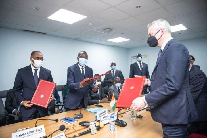 Extension de l'aéroport d'Abidjan : Abidjan signe avec Paris un accord pour porter la capacité d'accueil de l'aéroport à 5 millions de passagers