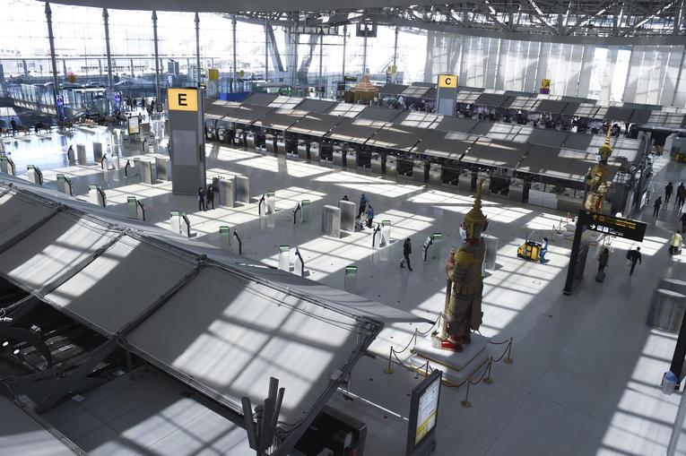 Rebond Covid : Un terminal de l'aéroport de Bangkok transformé en hôpital de campagne